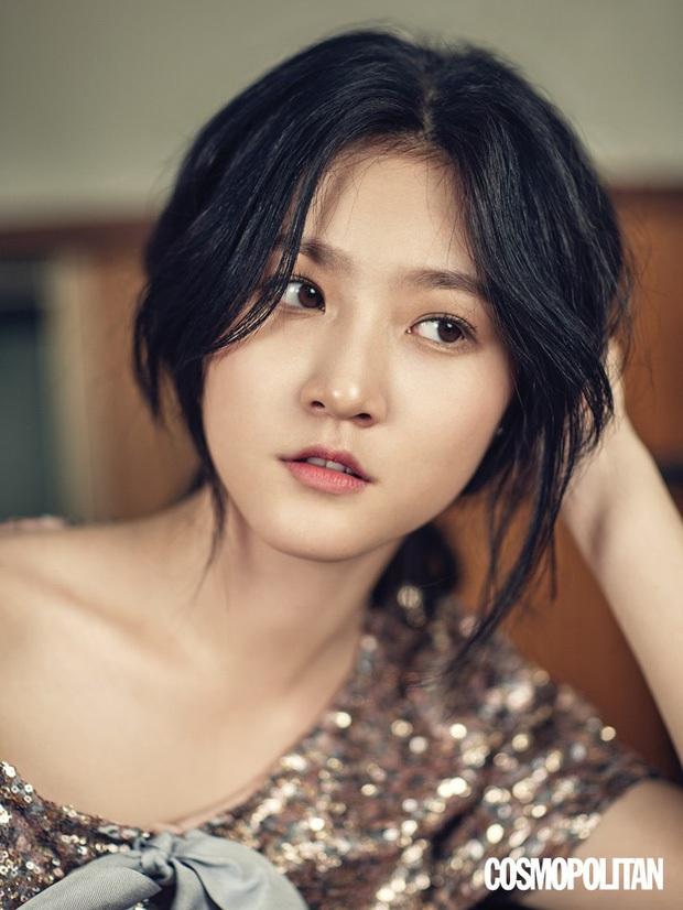 Chuyện học cấp 3 dở dang của sao châu Á: Kang Daniel phải bỏ học vì gia đình khó khăn, Hòa Minzy chủ quan nên chưa tốt nghiệp - Ảnh 4.