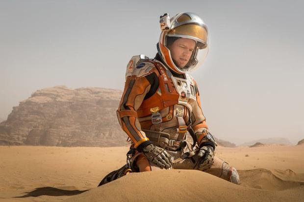 13 phim sinh tồn chứng minh sức sống mạnh mẽ của con người: Từ lạc giữa biển khơi, vật nhau với hổ đến kẹt trên Sao Hỏa - Ảnh 4.