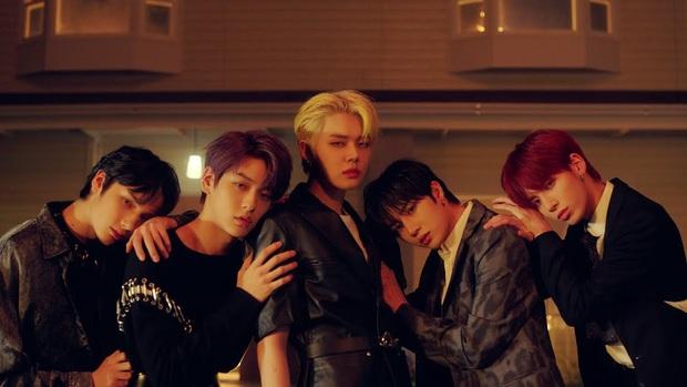 """""""Em trai"""" BTS comeback mới 1 tuần mà nhạc số tụt dốc không phanh, thảm bại trước ITZY dù cùng là """"tân binh khủng long"""", sao thế nhỉ? - Ảnh 8."""