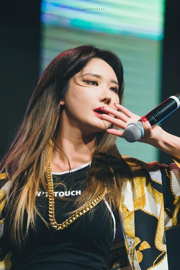 """Idol nữ sở hữu giọng hát có """"1-0-2"""": Rosé và đàn chị hay gây tranh cãi vì giọng lạ, thành viên ít line của BLACKPINK bất ngờ được khen - Ảnh 16."""