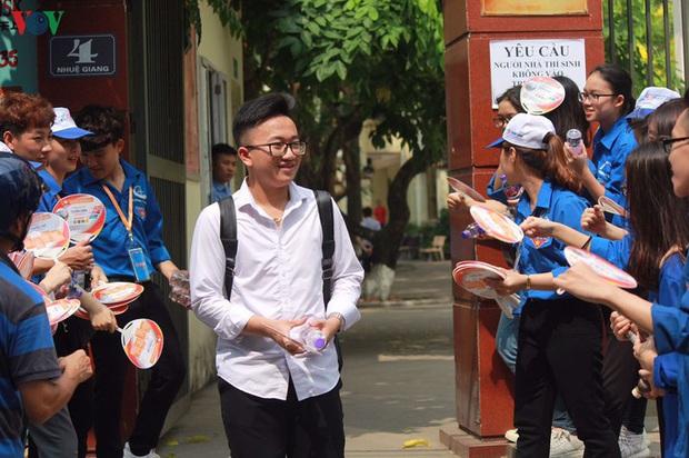 Chi tiết chỉ tiêu tuyển sinh lớp 10 các trường THPT công lập tại Hà Nội - Ảnh 1.