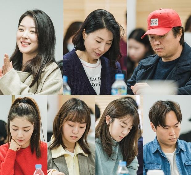 Chưa kịp trả nghiệp ở Mystic Pop-up Bar, dì hai Hwang Jung Eum đã vội bắt trend gái ế Jang Nara trong phim mới - Ảnh 5.