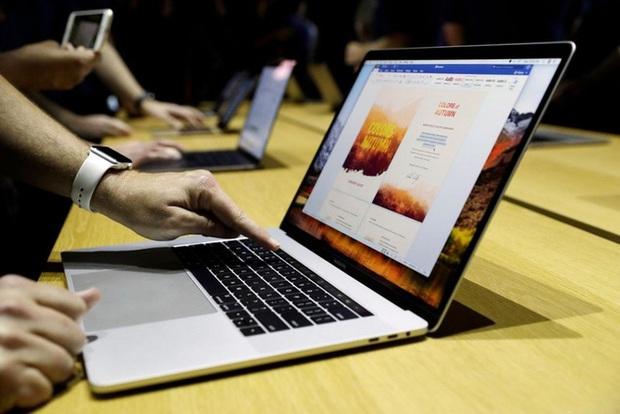 Apple vẫn chưa từ bỏ bàn phím cánh bướm trên MacBook nhưng việc cải tiến và đưa nó trở lại có phải là ý hay? - Ảnh 1.