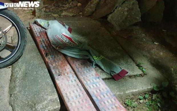 Gia đình hoảng hốt nhận thi thể người thân bị bỏ trong cốp xe từ Đà Nẵng ra Huế - Ảnh 2.