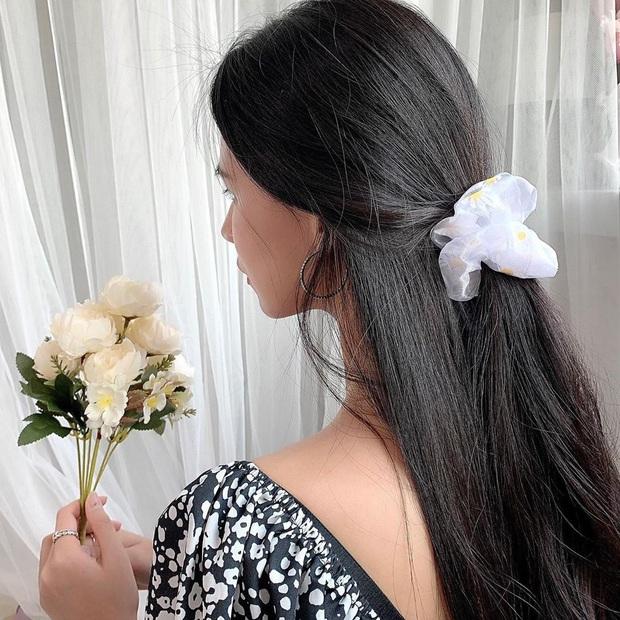 Chán tóc xõa thì còn đến 5 kiểu tóc siêu xinh để bạn diện cùng váy vóc Hè này - Ảnh 6.