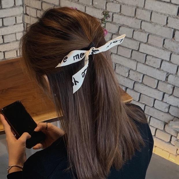 Chán tóc xõa thì còn đến 5 kiểu tóc siêu xinh để bạn diện cùng váy vóc Hè này - Ảnh 8.
