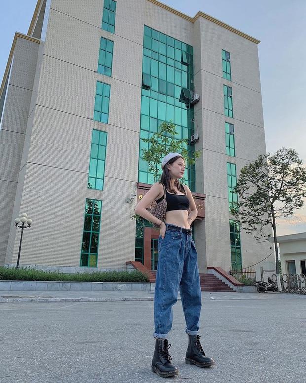 """Có một kiểu quần jeans sao Việt """"phát cuồng"""" mới đây nhưng Rosé thì đã diện suốt từ năm ngoái mới tài - Ảnh 7."""