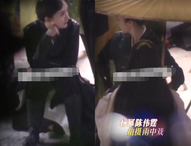 Dương Mịch đội mưa làm việc ở hậu trường phim mới, fan xót xa đúng là Mịch tỉ của em! - Ảnh 6.