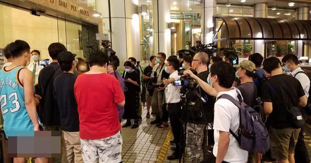 Truyền thông tiết lộ viện phí khủng của ông trùm sòng bạc Macau từ khi bị bệnh nặng lên đến gần 4,6 nghìn tỷ đồng, đội ngũ y tế cao cấp với đãi ngộ lớn - Ảnh 1.