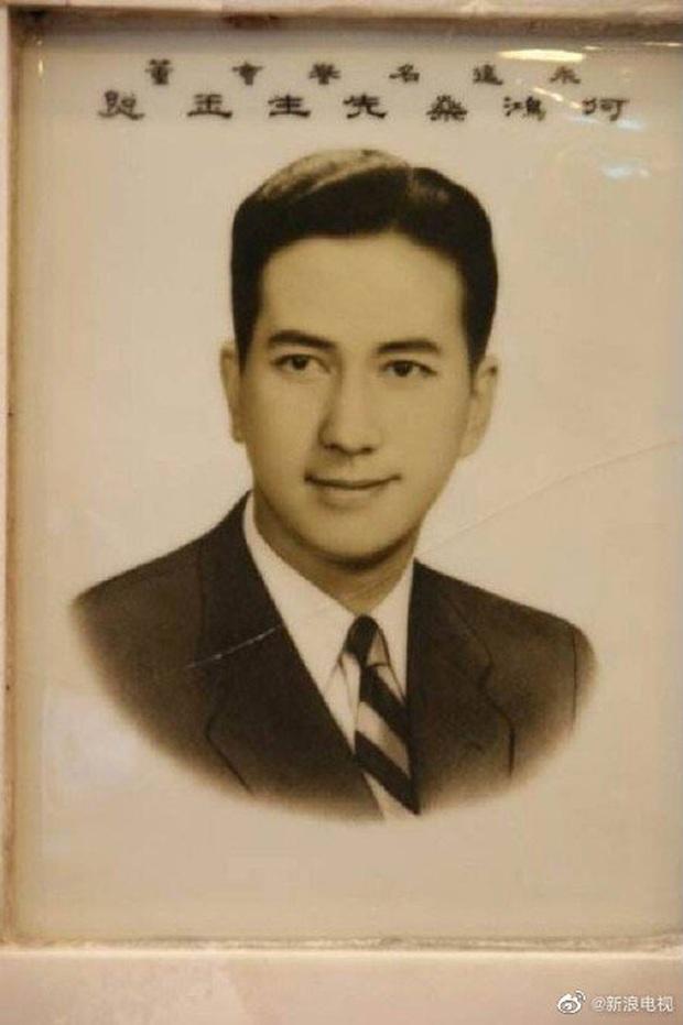 Hé lộ những bức ảnh thời trẻ của vua sòng bạc Macau Hà Hồng Sân: Nhan sắc cực phẩm, tài năng và giàu có đúng chuẩn nam thần ngôn tình đời thực - Ảnh 5.