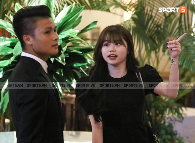 Hot: Quang Hải đưa Huỳnh Anh vào Sài Gòn dự lễ trao giải Quả bóng vàng Việt Nam 2020 - Ảnh 1.