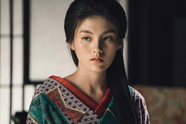 Thánh nữ trà sữa Kim Young Ji của Quân Vương Bất Diệt: Nhan sắc lai tây thượng thừa hớp hồn loạt mĩ nam Kbiz - Ảnh 7.