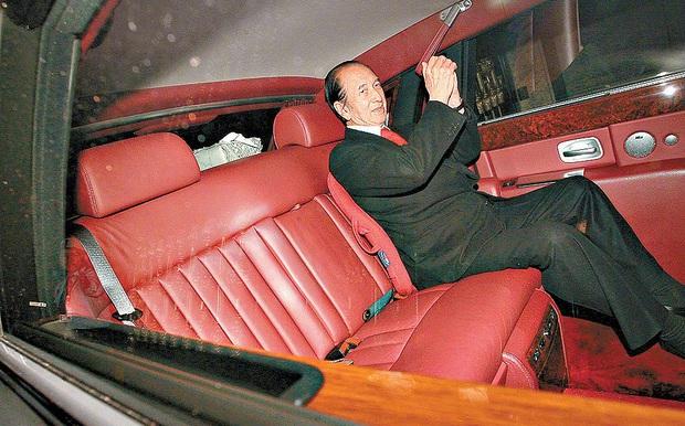 Hậu cung 3 bà vợ, 14 người con và gia sản 1,5 triệu tỷ đồng sau khi trùm sòng bạc Macau 98 tuổi vừa qua đời - Ảnh 5.