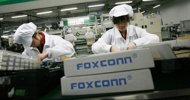 Nghe tin Apple sẽ lắp rắp AirPods tại Việt Nam, dân mạng Trung Quốc sôi sục bàn tán tranh cãi
