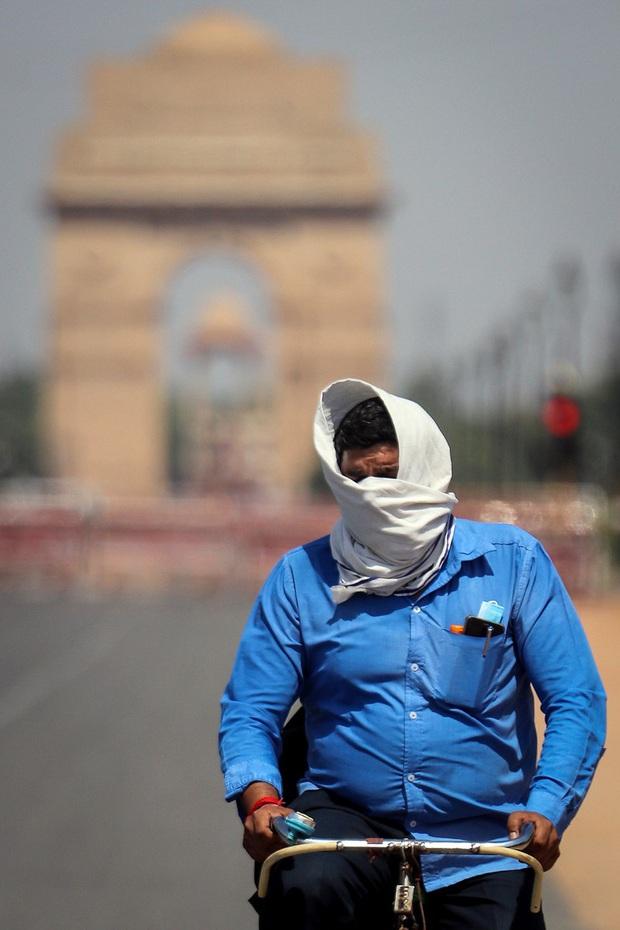 Ấn Độ ghi nhận đợt nắng nóng kỷ lục đầu tiên trong năm 2020 - Ảnh 1.