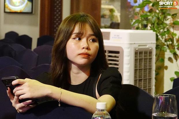 Quang Hải và Huỳnh Anh liên tục lạc mất nhau khi tham dự sự kiện ở Sài Gòn - Ảnh 5.
