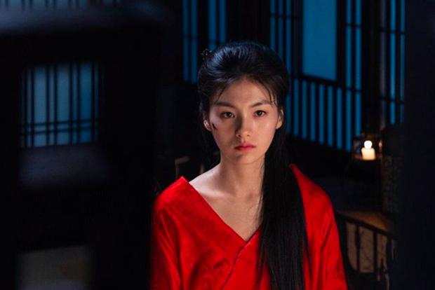 Thánh nữ trà sữa Kim Young Ji của Quân Vương Bất Diệt: Nhan sắc lai tây thượng thừa hớp hồn loạt mĩ nam Kbiz - Ảnh 8.