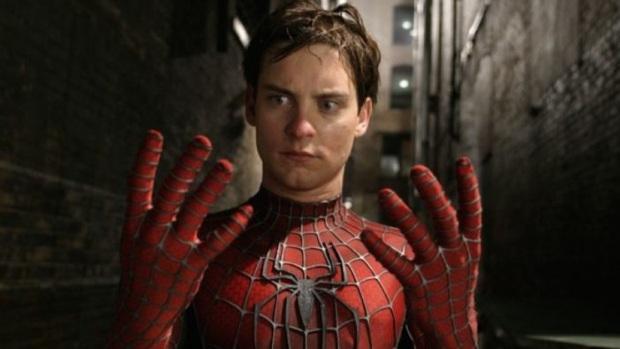 Bolivia: mơ trở thành Người Nhện, ba anh em ruột nhập viện vì bắt loài nhện cực độc cắn mình - Ảnh 1.