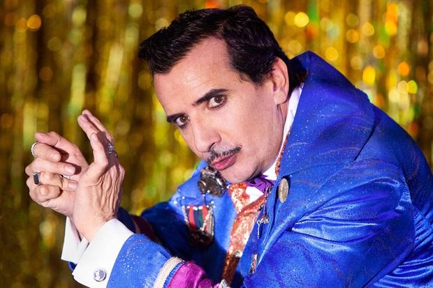 The Unremarkable Juanquini: Chuyện ảo thuật gia bất tài đang vui bỗng rẽ hướng sang vô lý cùng cực - Ảnh 6.