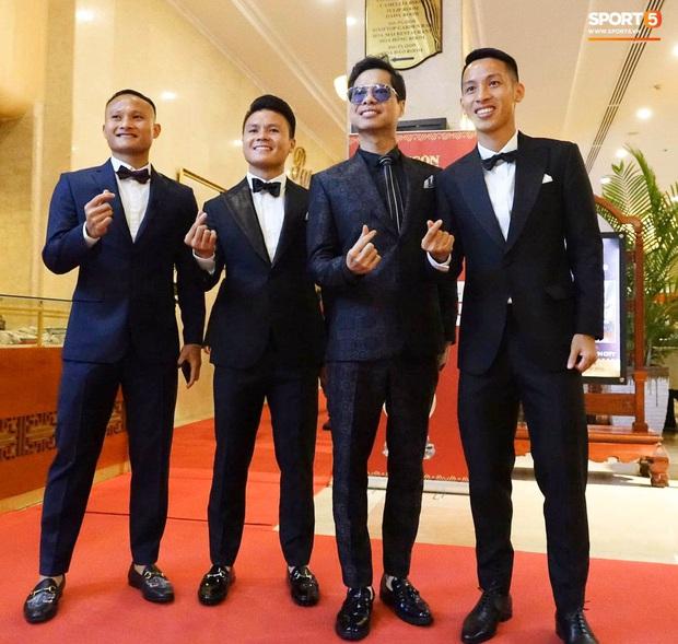 Hot: Quang Hải đưa Huỳnh Anh vào Sài Gòn dự lễ trao giải Quả bóng vàng Việt Nam 2020 - Ảnh 10.