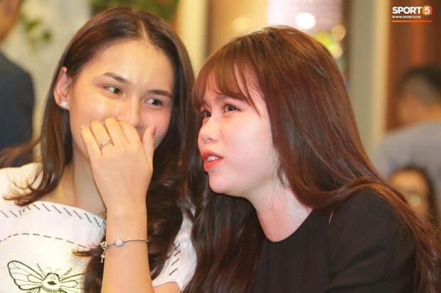 Hot: Quang Hải đưa Huỳnh Anh vào Sài Gòn dự lễ trao giải Quả bóng vàng Việt Nam 2020 - Ảnh 6.