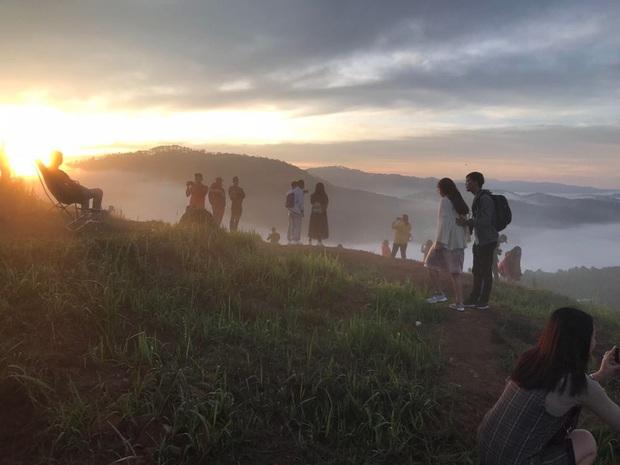 """Điểm săn mây nổi tiếng ở Đà Lạt """"tan hoang"""" vì tình trạng xả rác bừa bãi, chủ nhân ngọn đồi bức xúc lên tiếng: """"Làm ơn đừng xâm phạm đất nhà mình nữa"""" - Ảnh 13."""