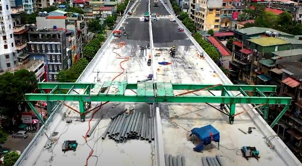 Hà Nội: Toàn cảnh tuyến đường trên cao gần 9.500 tỷ sau 2 năm thi công - Ảnh 1.
