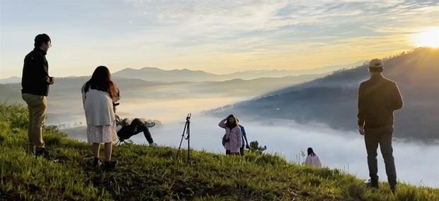 """Điểm săn mây nổi tiếng ở Đà Lạt """"tan hoang"""" vì tình trạng xả rác bừa bãi, chủ nhân ngọn đồi bức xúc lên tiếng: """"Làm ơn đừng xâm phạm đất nhà mình nữa"""" - Ảnh 15."""