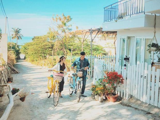 Khắp Việt Nam có những homestay chỉ cần mở cửa ra là thấy biển ngay trước mặt, xinh đến nỗi ai cũng ngỡ chỉ có trong phim - Ảnh 25.