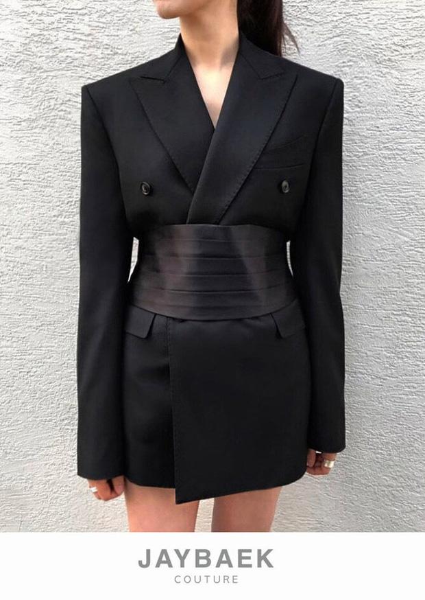 Diện áo giống Park Min Young, Jennie mạnh dạn bỏ luôn quần cho sexy nhưng lại thua đàn chị ở thần thái tổng tài quyền lực - Ảnh 6.