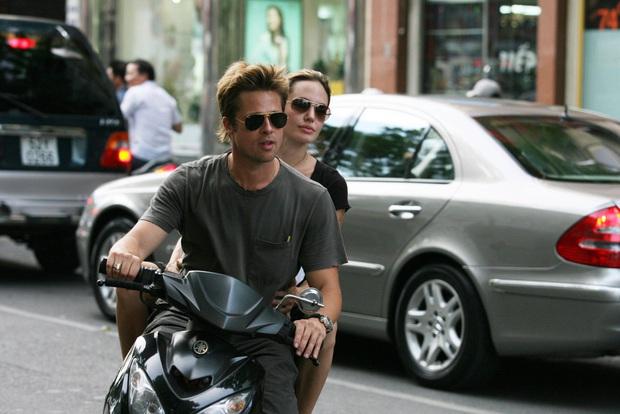 Netizen xôn xao vì ảnh Angelina Jolie - Brad Pitt vi vu ở TP.HCM 14 năm trước, choáng trước nhan sắc cặp đôi ngoài đời - Ảnh 5.