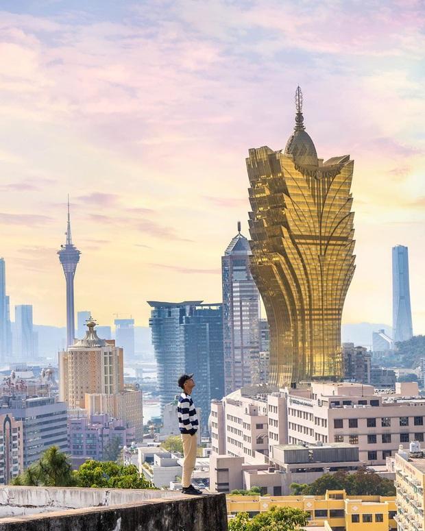 """Cận cảnh công trình để đời nhất của """"ông trùm"""" sòng bạc Macau vừa qua đời: Toà nhà hình búp sen vàng khổng lồ, hình check-in ngập tràn MXH - Ảnh 20."""