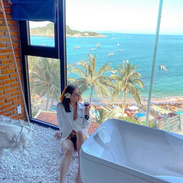 Khắp Việt Nam có những homestay chỉ cần mở cửa ra là thấy biển ngay trước mặt, xinh đến nỗi ai cũng ngỡ chỉ có trong phim - Ảnh 16.