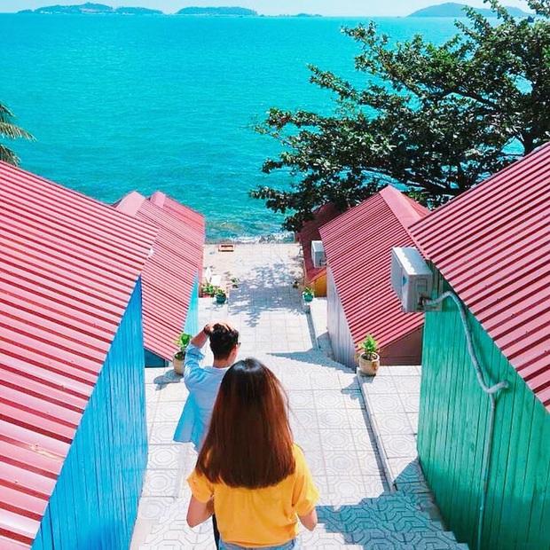 Khắp Việt Nam có những homestay chỉ cần mở cửa ra là thấy biển ngay trước mặt, xinh đến nỗi ai cũng ngỡ chỉ có trong phim - Ảnh 36.