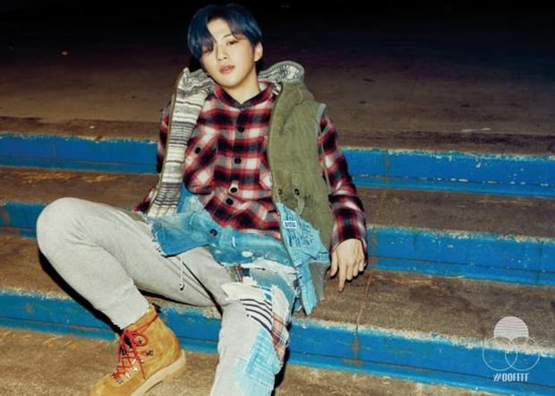 """MV của Baekhyun gây tranh cãi vì na ná sản phẩm của """"center quốc dân"""" Kang Daniel, ai ngờ Knet """"phản dame"""": """"SM mà phải đi copy à?"""" - Ảnh 10."""