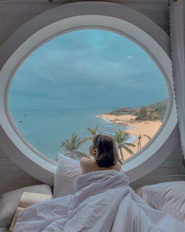 Khắp Việt Nam có những homestay chỉ cần mở cửa ra là thấy biển ngay trước mặt, xinh đến nỗi ai cũng ngỡ chỉ có trong phim - Ảnh 17.