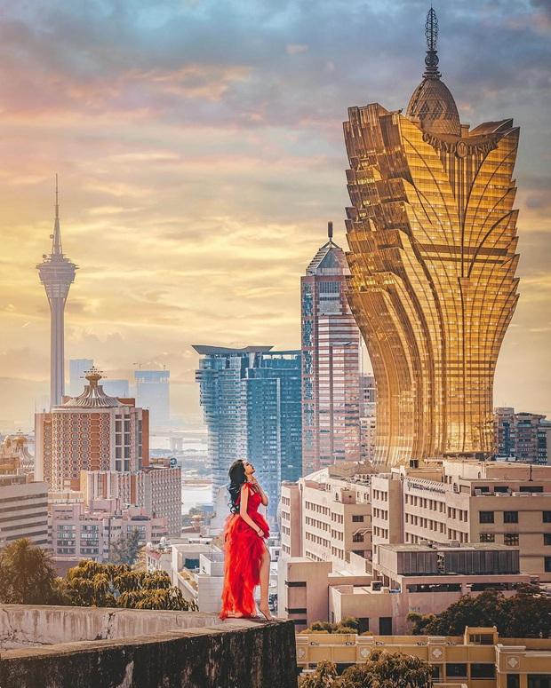 """Cận cảnh công trình để đời nhất của """"ông trùm"""" sòng bạc Macau vừa qua đời: Toà nhà hình búp sen vàng khổng lồ, hình check-in ngập tràn MXH - Ảnh 4."""