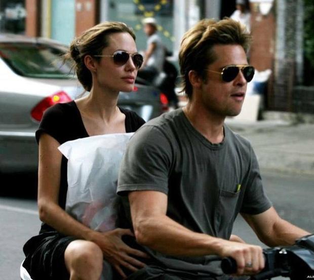 Netizen xôn xao vì ảnh Angelina Jolie - Brad Pitt vi vu ở TP.HCM 14 năm trước, choáng trước nhan sắc cặp đôi ngoài đời - Ảnh 6.