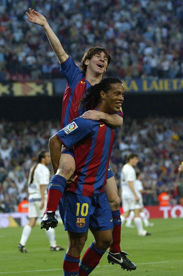 Tiết lộ lý do thực sự khiến Ronaldinho bị tống khỏi Barca, nguyên nhân chính liên quan tới Messi - Ảnh 3.