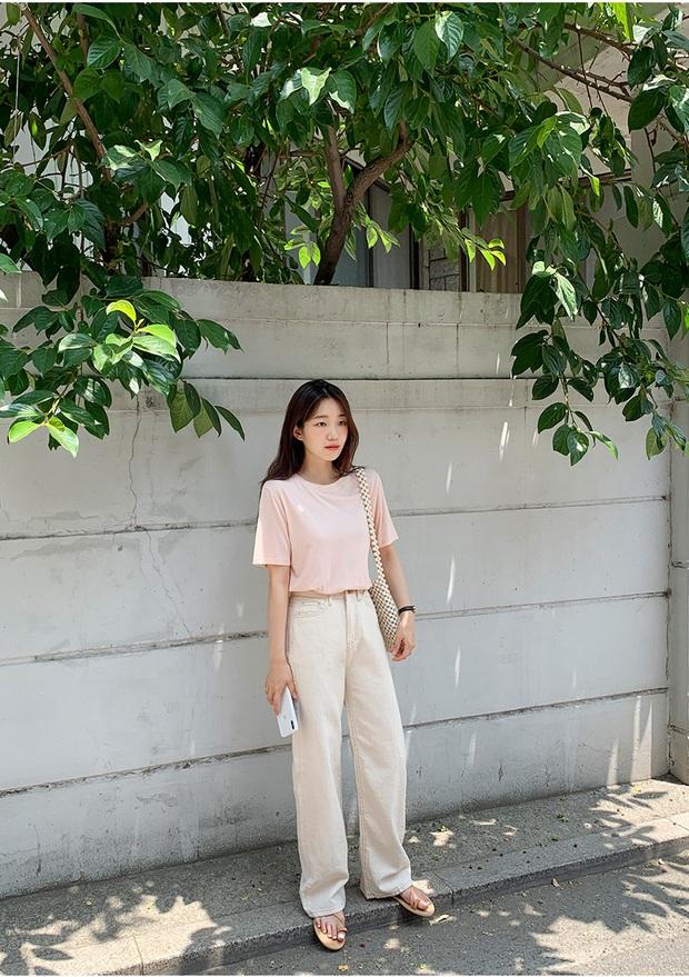 Không phải cứ jeans trắng là giúp nâng tầm style, bạn chọn dáng quần này thì mọi nhược điểm đôi chân sẽ bị tố sạch - Ảnh 7.