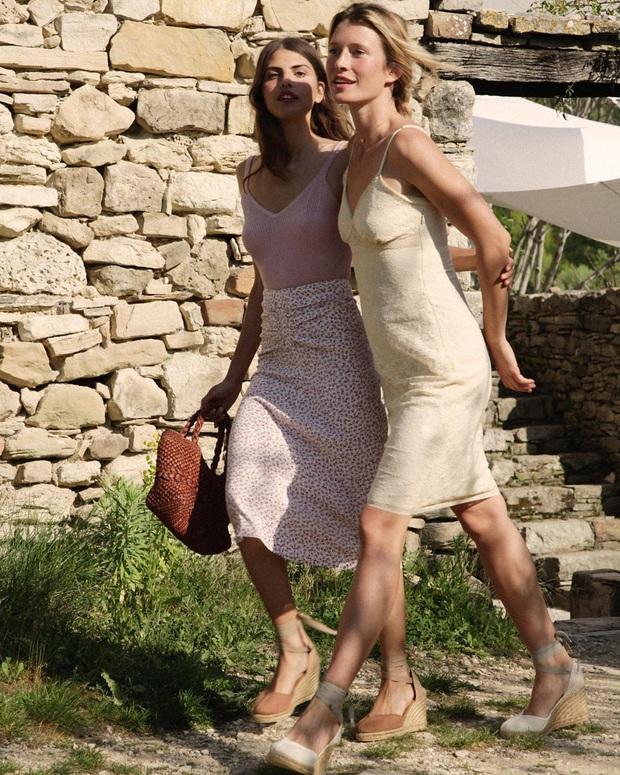 4 mẫu giày dép mùa Hè được lòng phụ nữ Pháp nhất vì diện thế nào cũng tinh tế và đẹp xinh khỏi nghĩ - Ảnh 9.