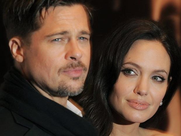 Netizen xôn xao vì ảnh Angelina Jolie - Brad Pitt vi vu ở TP.HCM 14 năm trước, choáng trước nhan sắc cặp đôi ngoài đời - Ảnh 8.