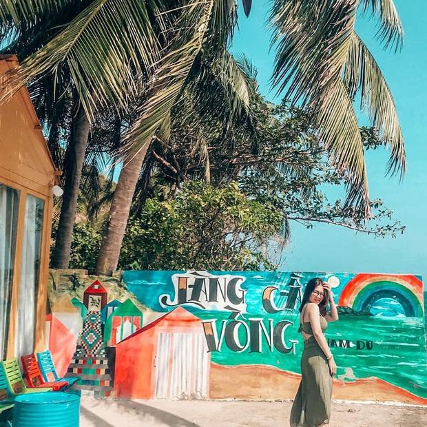 Khắp Việt Nam có những homestay chỉ cần mở cửa ra là thấy biển ngay trước mặt, xinh đến nỗi ai cũng ngỡ chỉ có trong phim - Ảnh 39.