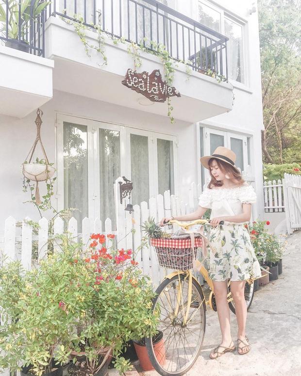 Khắp Việt Nam có những homestay chỉ cần mở cửa ra là thấy biển ngay trước mặt, xinh đến nỗi ai cũng ngỡ chỉ có trong phim - Ảnh 26.