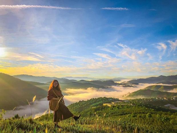"""Điểm săn mây nổi tiếng ở Đà Lạt """"tan hoang"""" vì tình trạng xả rác bừa bãi, chủ nhân ngọn đồi bức xúc lên tiếng: """"Làm ơn đừng xâm phạm đất nhà mình nữa"""" - Ảnh 1."""