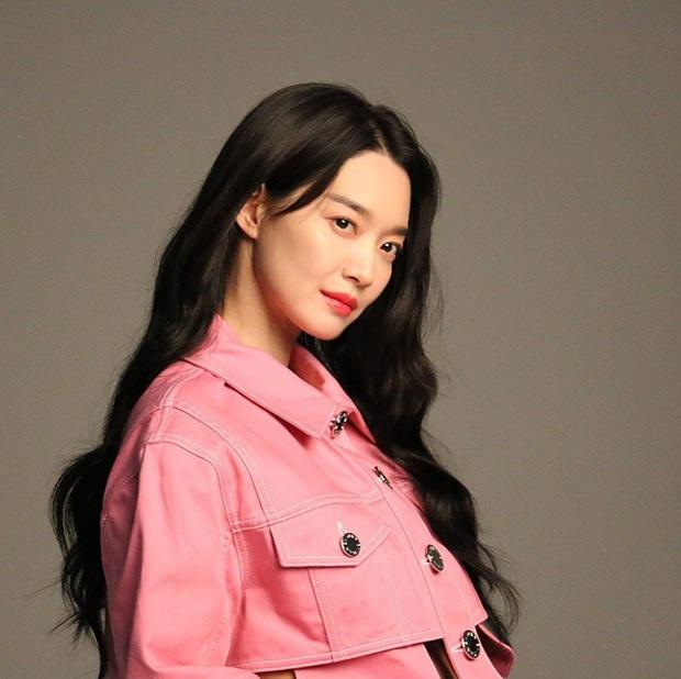 Hé lộ ảnh hậu trường đẹp nức nở của Cáo 9 đuôi Shin Min Ah: Thế này bảo sao tài tử Người thừa kế bao năm mê đắm - Ảnh 3.