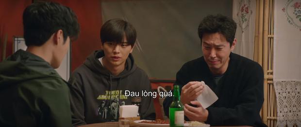 Mystic Pop-up Bar tập 3: Dì hai Hwang Jung Eum lại đột nhập cõi mộng xử gọn hội ông lớn tham nhũng, trả luôn mối thù 500 năm - Ảnh 2.