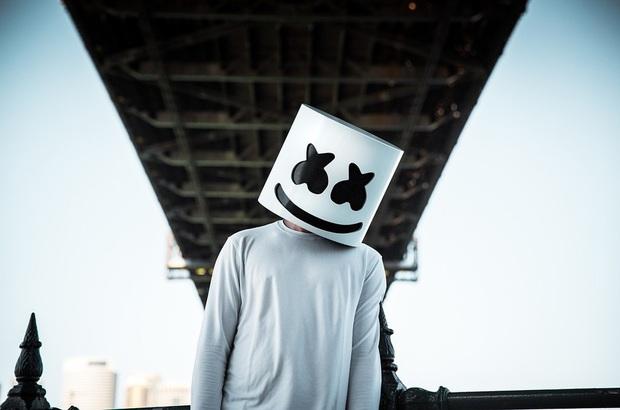 DJ hàng đầu thế giới Marshmello đích thân chia sẻ đoạn clip LyLy cover hit mới nhất của mình, còn vào tận YouTube để gửi lời cảm ơn! - Ảnh 5.