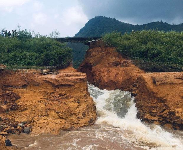 Phú Thọ vỡ đập thủy lợi, khẩn cấp di dời các hộ dân - Ảnh 2.