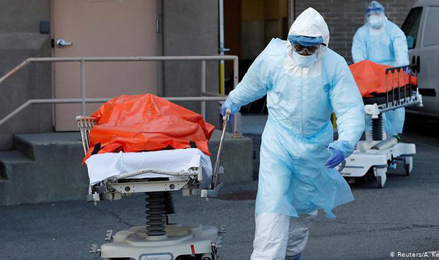 Số ca tử vong vì COVID-19 ở Mỹ vượt mốc 100.000 - Ảnh 1.